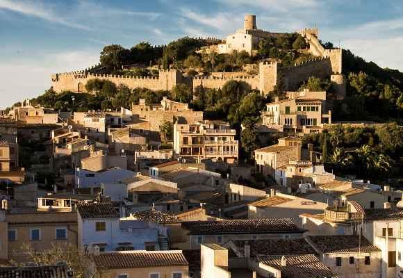 Alquiler de bicicletas Mallorca- Castillo de Capdepera 2 - 580X400.jpg