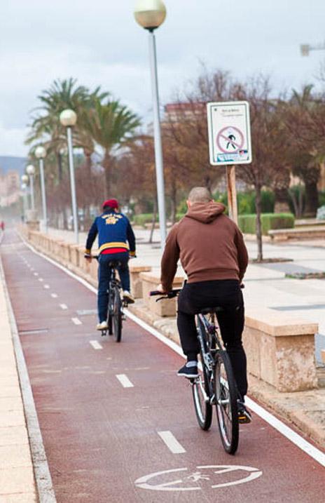 alquiler de bicicletas Mallorca-cómo circular por carril bici 464x717.jpg