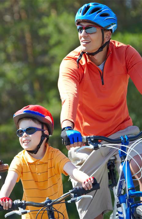 alquiler de bicicletas mallorca- como llevar el casco 464x717.jpg