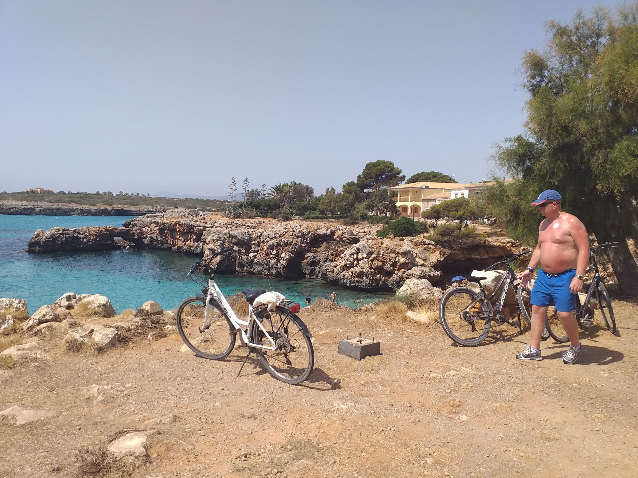 Alquiler de bicicletas Mallorca. Cala Morlanda en bici.IMG