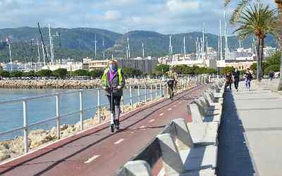 disfrutando de excursion en bici por Palma