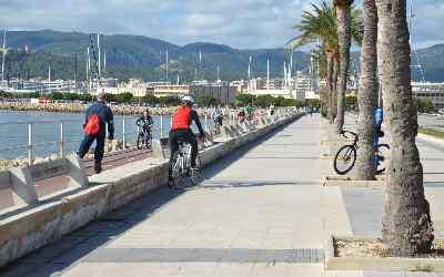 disfrutar del carril bici del paseo marítimo de Palma