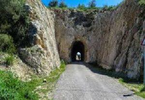 alquiler de bicicletas mallorca-Mercado de Artà-túnel vía verde (1)