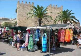 alquiler de bicicletas mallorca-excursión guiada mercado de alcudia costa des barqueres, ropa