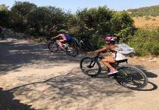 alquiler de bicicletas mallorca-excursión guiada vía verde, son carrió y punta de n'amer-familiar