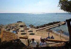 alquiler de bicicletas mallorca-ruta en bicicleta mirador costa de los pinos playa eurotel