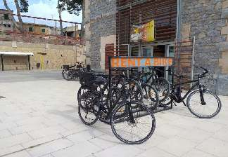alquiler de bicicletas mallorca- ruta en bicicleta por vía verde estación de artà